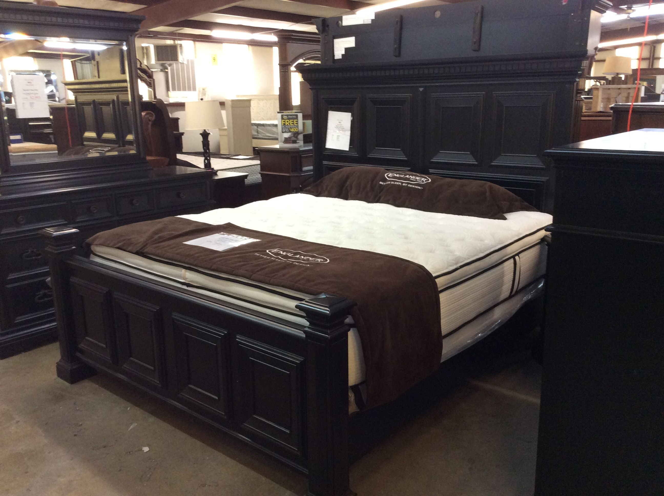 Special Closeout Pulaski 4 piece King Panel Bedroom Group
