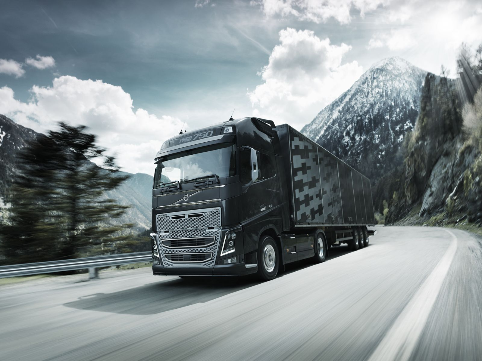 Heres What Every Trucker Should Know About The New Volvo FH Top Ten Stories Including Numerous World First Innovations