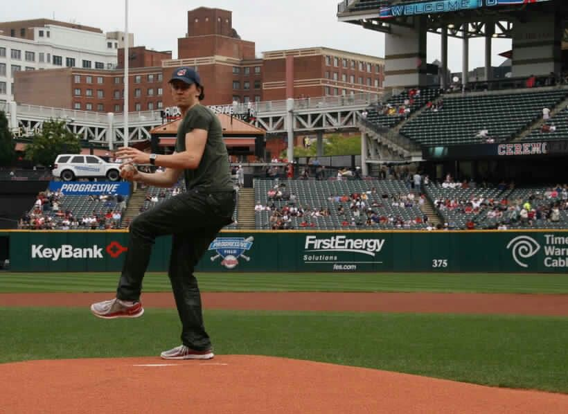 Tom Throws Out The First Pitch At The Cleveland Indians Game 08 28 11 Tom Hiddleston Toms Cleveland Indians Game