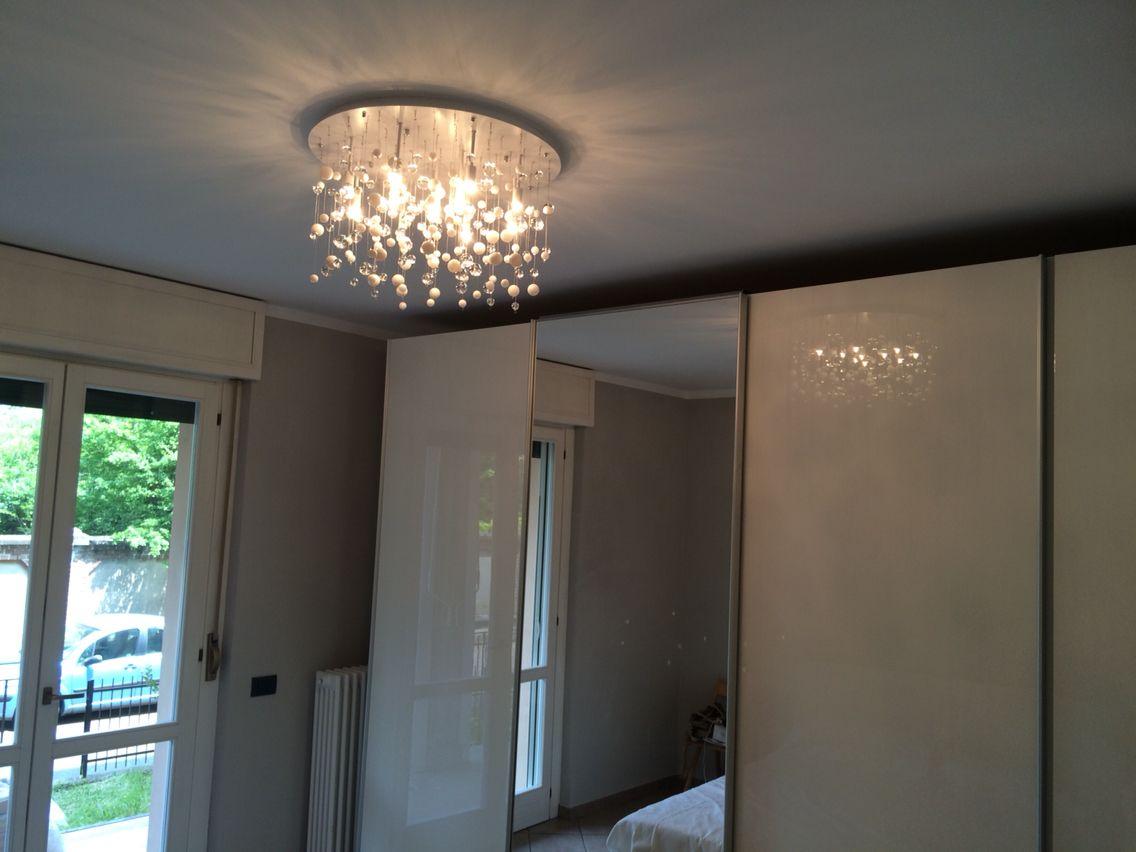 Plafoniere Moderne Per Camera Da Letto : Camera da letto illuminata questa splendida plafoniera con sfere