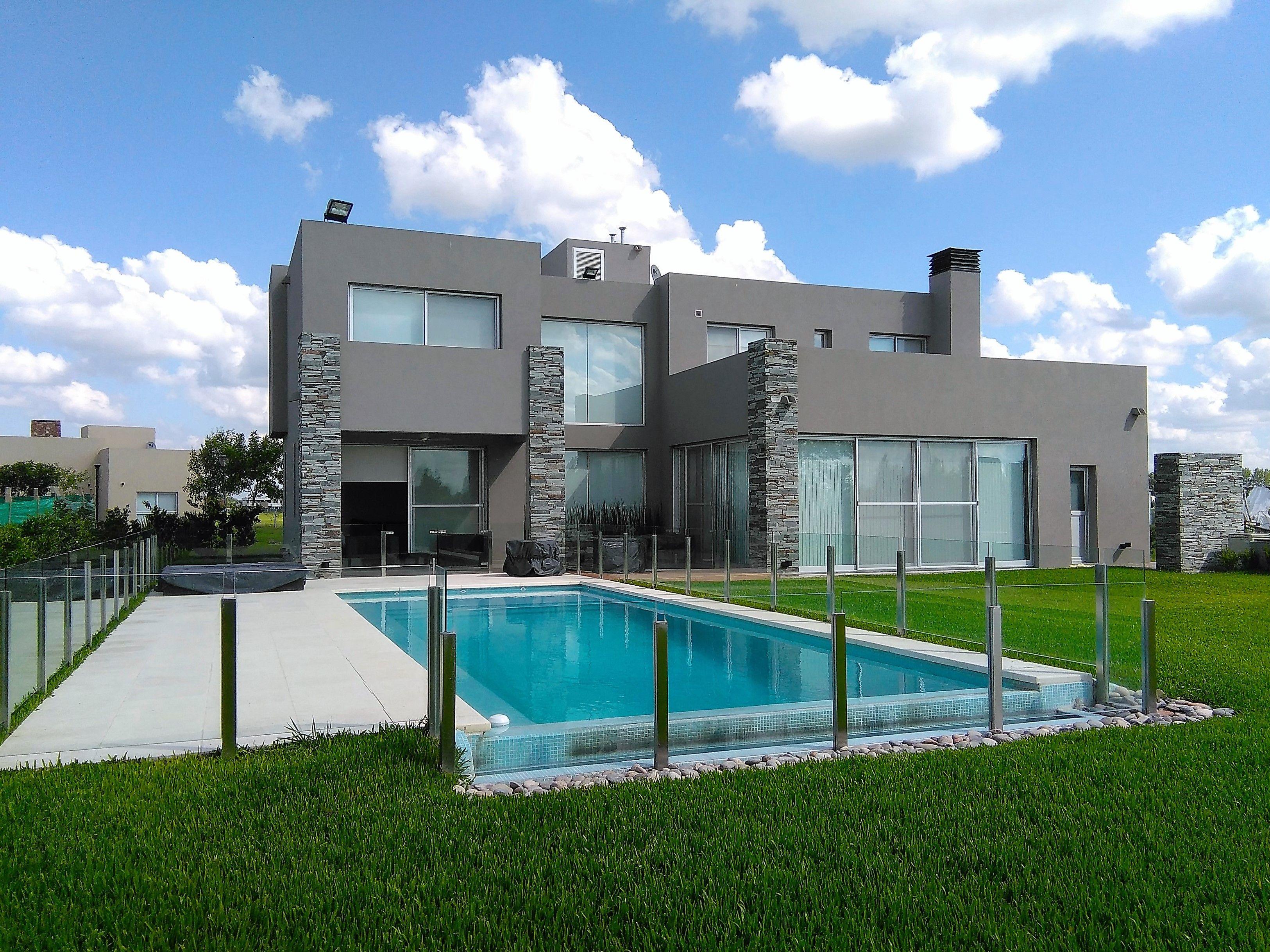 casa country en venta / francisco Álvarez / minimalista / jardín y