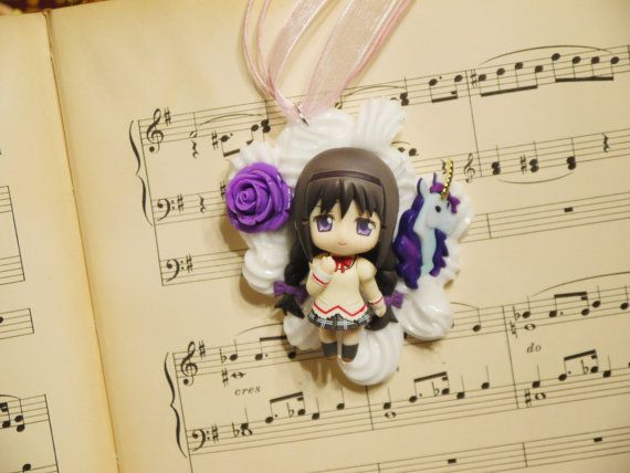 School Girl Homura Decoden Necklace Kawaii Whipped Cream and Candy Desserts Chocolate These are ready to ship jewelry pieces.  Each is unique and made by hand using only licensed toys. Combination of whipped cream that squishes together
