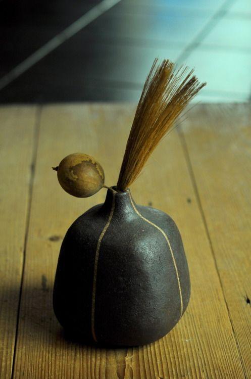 Brown square pot by Yoko Komae. S)