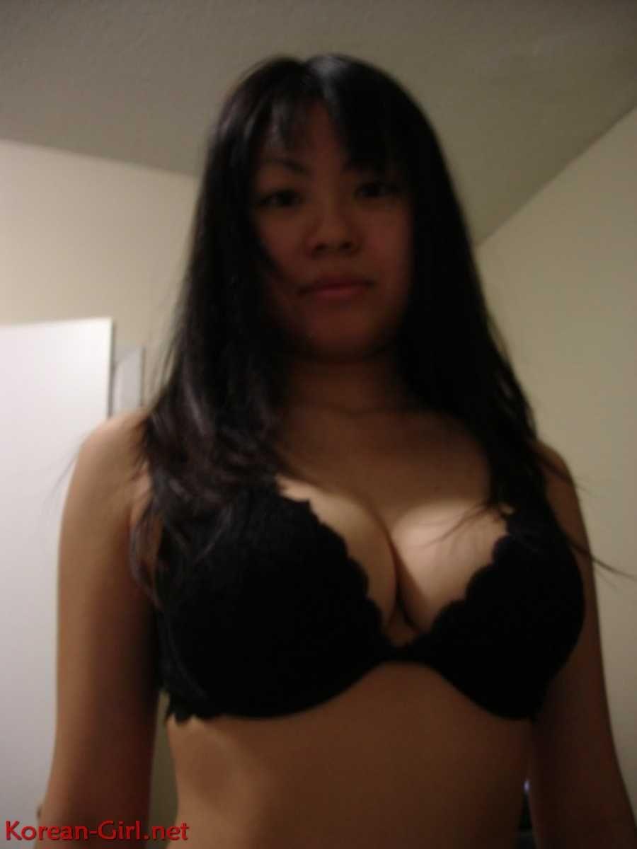 Big bare boobs handjobs