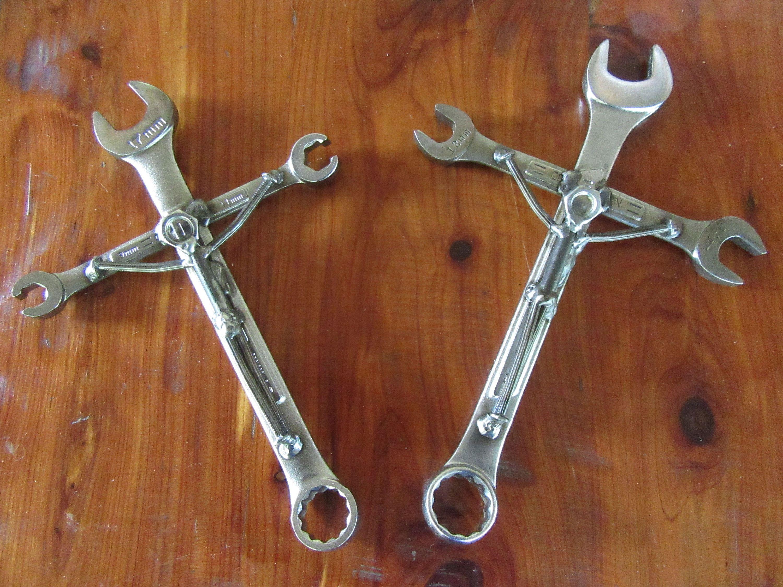 Gear head crossmechanics crucifixman crosswelded art