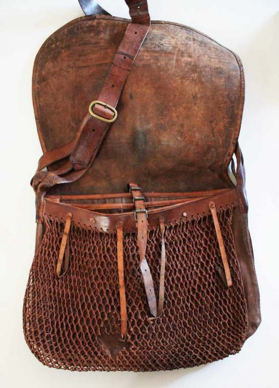 Late 19th Century Angler S Fishing Bag It Is Very Stylish And I Am Sure Was Expensive But Can Only See A Great Number Of Problems With Leather