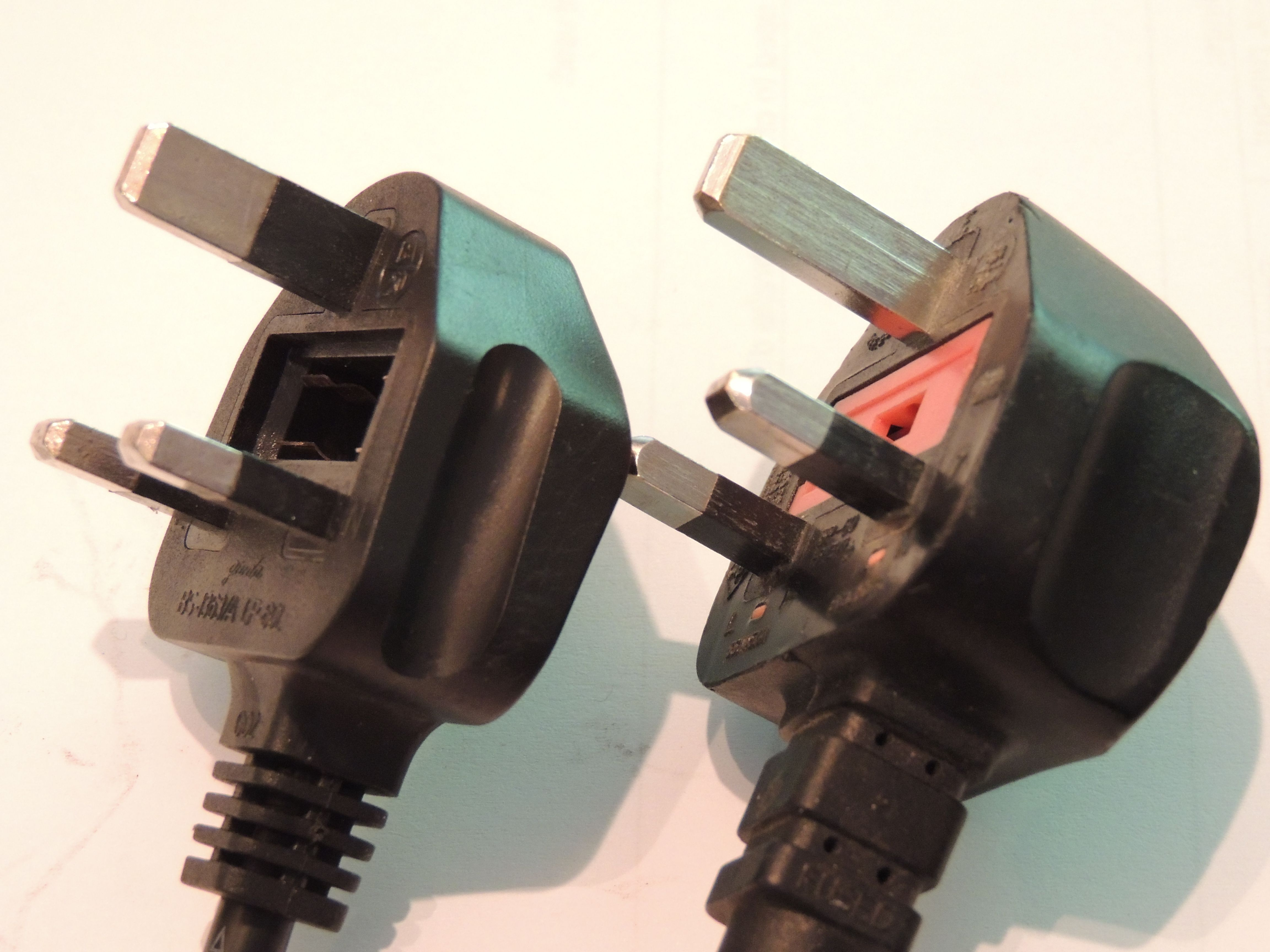Warning Look At These Two Plugs The Left Plug Has Insulation On Wiring A Earth Pin
