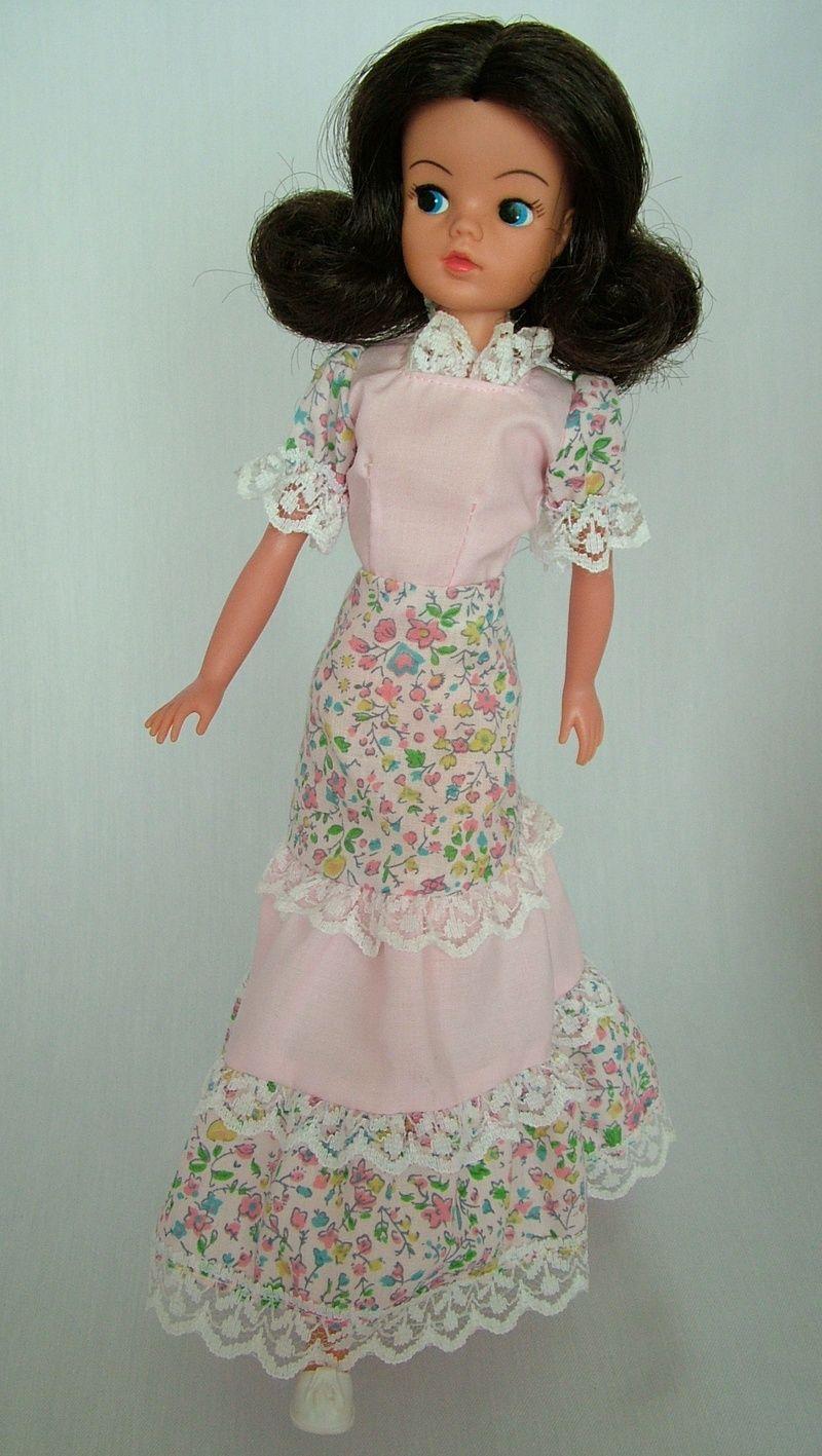 Blonde barbie pink dress  Pin by Anke Bethke on Sindy  Pinterest  Dolls