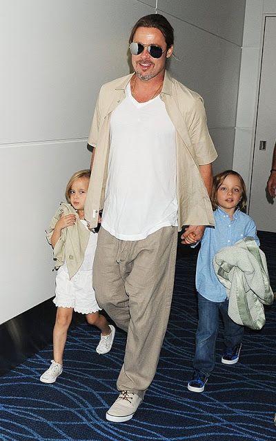 Celeb Diary Brad Pitt Angelina Jolie In Tokyo Japonia Brad Pitt Brad Pitt And Angelina Jolie Jolie Pitt