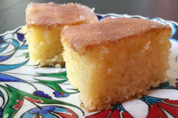 Ik maakte een glutenvrije lemon drizzle cake, naar het recept van Mary Berry. Heerlijk luchtig met een knapperig suiker laagje. Low FODMAP en lactosevrij