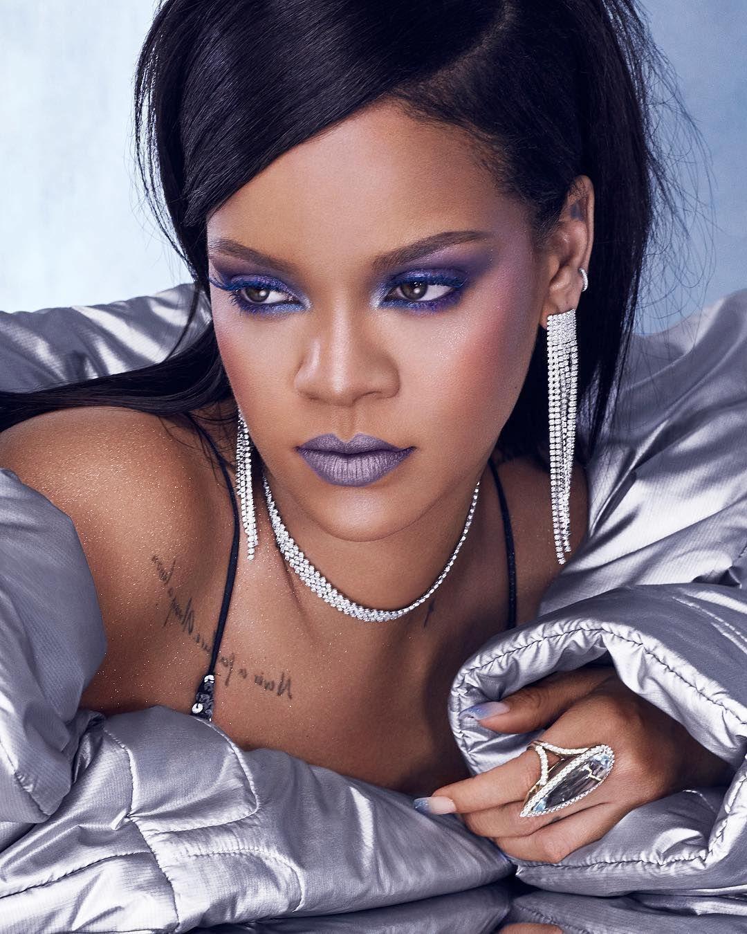 Rihanna Celebrity makeup looks, Fenty beauty, Celebrity