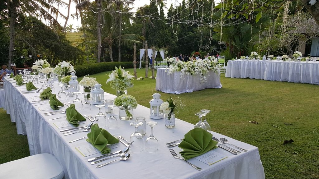 Pin By Elite Havens Luxury Villa Rentals On Bali Wedding Flowers