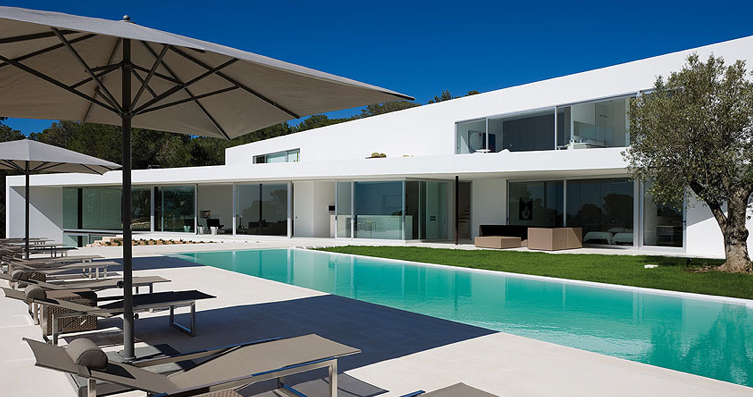 View From The Pool Private House Ixos In Ibiza By Bruno Erpicum Villa S Huisdesign Moderne Huisdecoratie