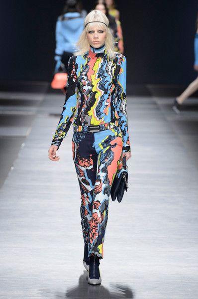 Versace at Milan Fashion Week Fall 2016 - Runway Photos