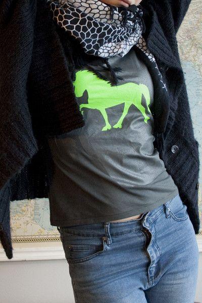 Horse horse t-shirt neon handprinted by EYELOVE HORSES # ...