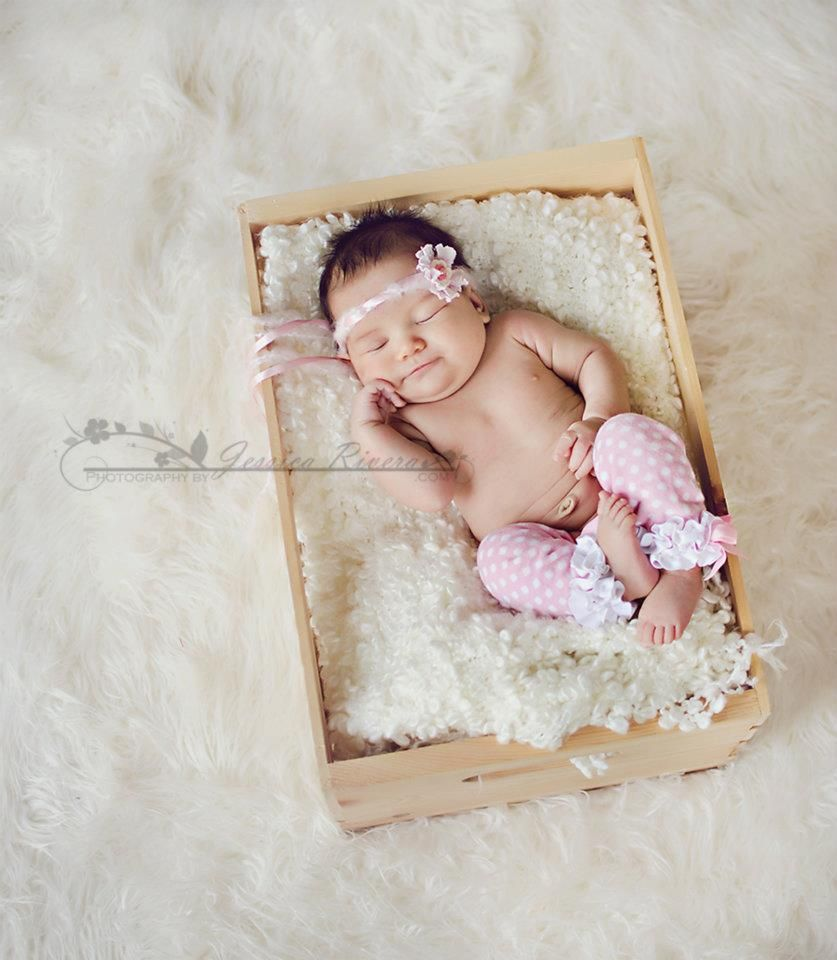 Aww such a sweet 1 month old baby photo prop ideas newborn photo session baby photography