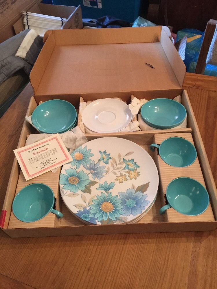 16 Piece Vintage Prolon Melmac Dishes Cynthia Turquoise New In Box : turquoise dishes dinnerware - pezcame.com