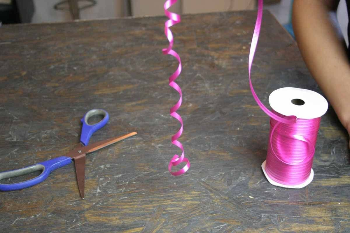 How to Make a Bow out of Curling Ribbon | DIY Curly Bows | Tie it in ...