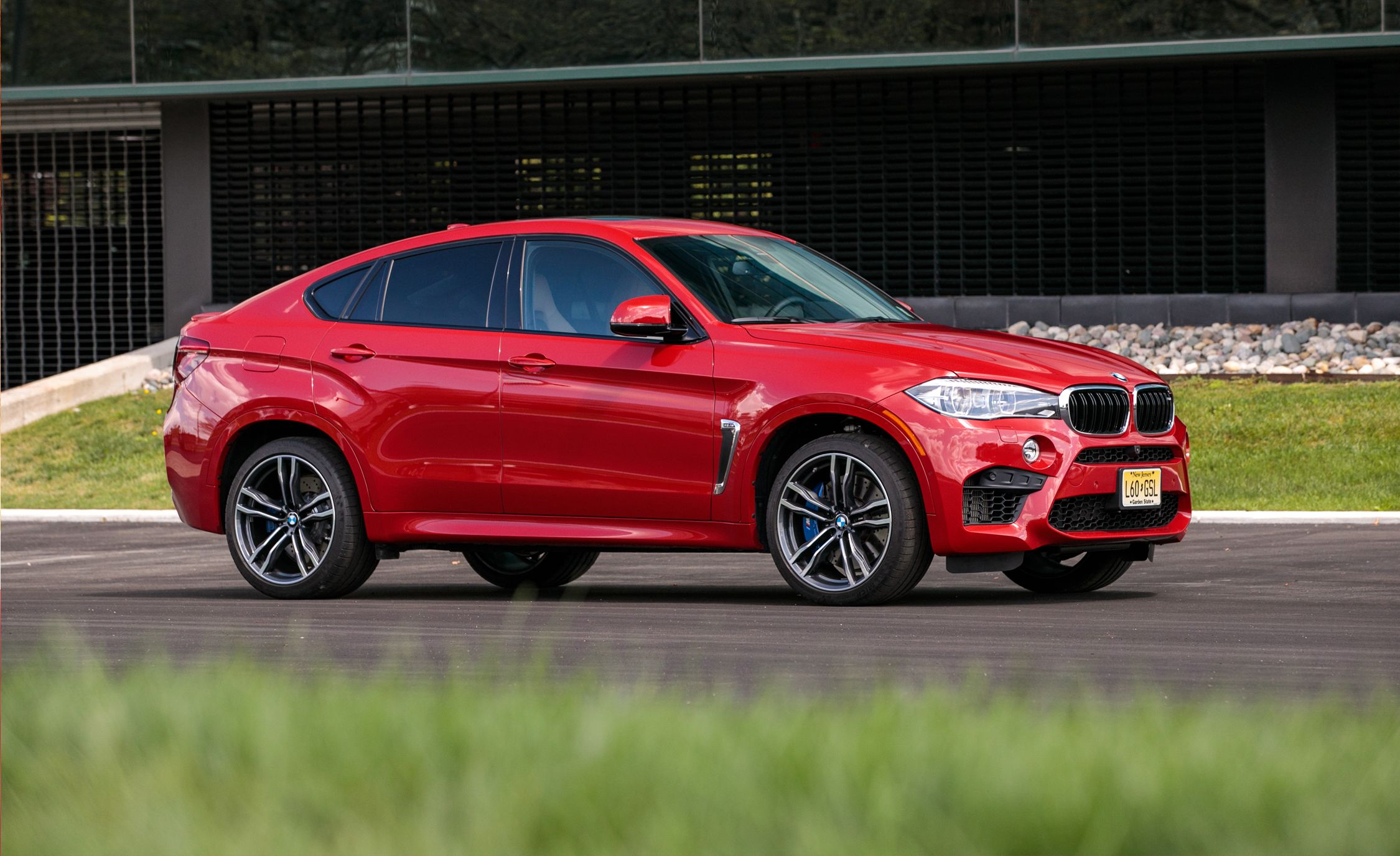 2020 Bmw X5 M Review Pricing And Specs Bmw X6 Bmw X6 Black Bmw