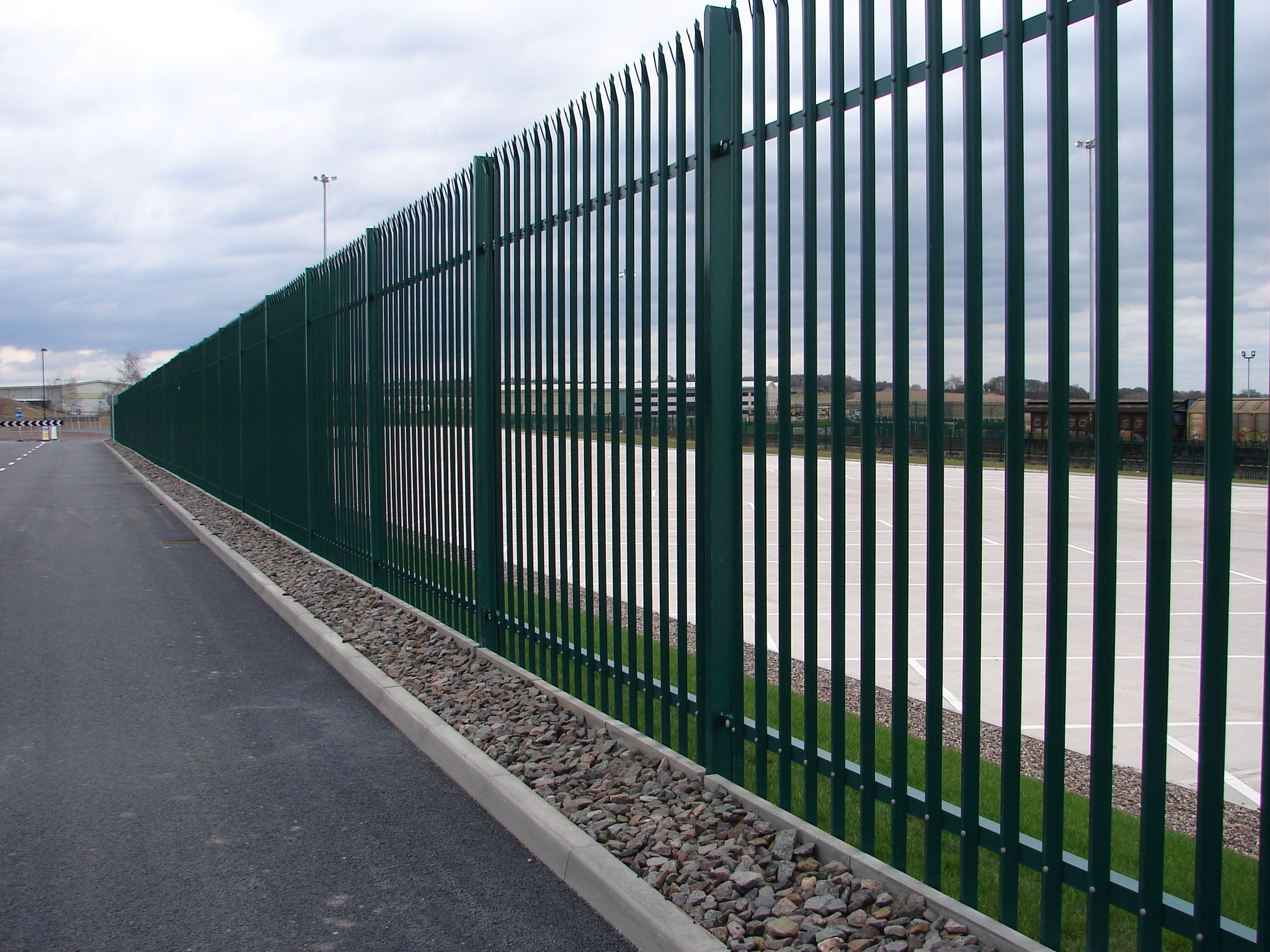 Install Top Quality Palisade Fencing In London Palisade Fence Palisades Fence