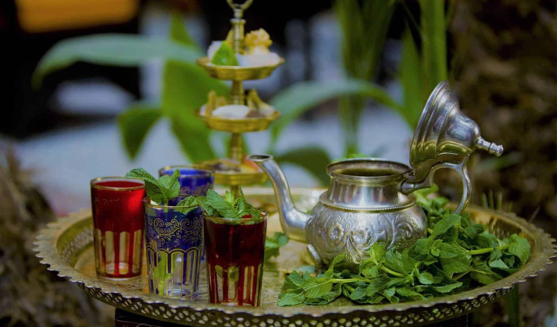 طريقة تحضير الشاي المغربي Table Decorations Decor Home Decor