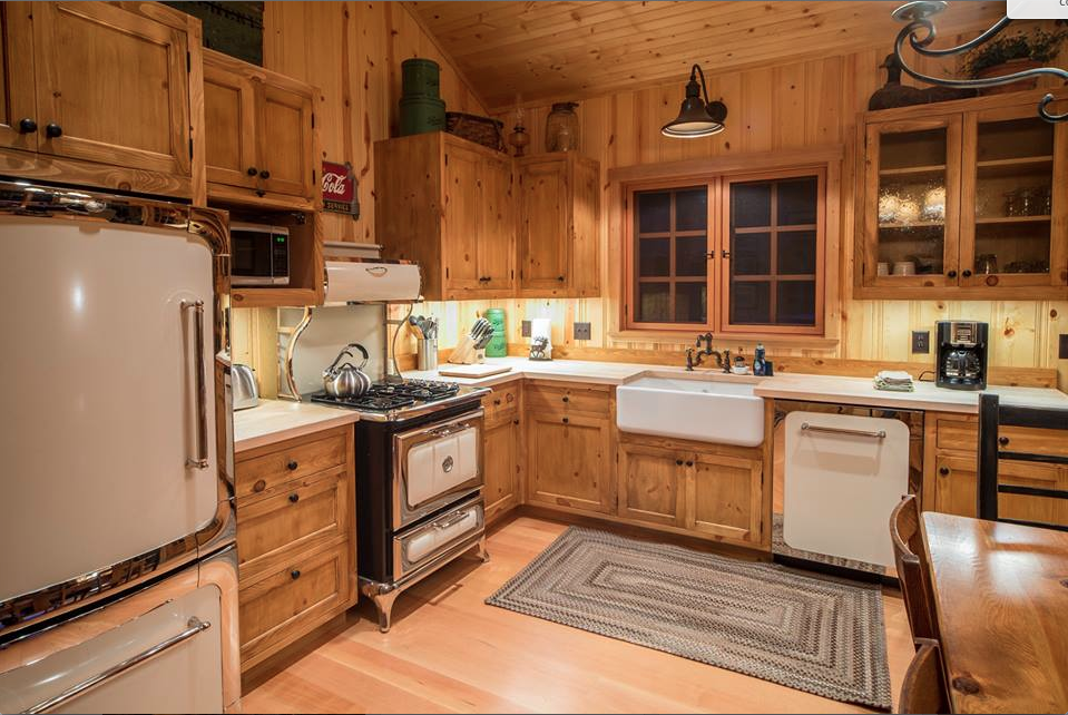 Cabin kitchen with retro appliances at Lake Creek Lodge, Camp Sherman, OR