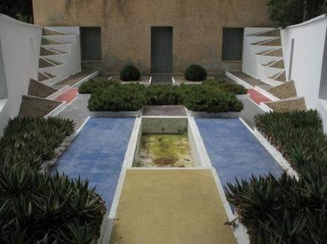 La Villa Noailles à Hyères | déco dehors | Villa, Hyères et Entrée ...