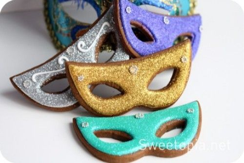 How To Decorate A Mask Impressive Mardi Gras Cookies  Cute & Girly Dessert  Pinterest  Mardi Gras Design Inspiration