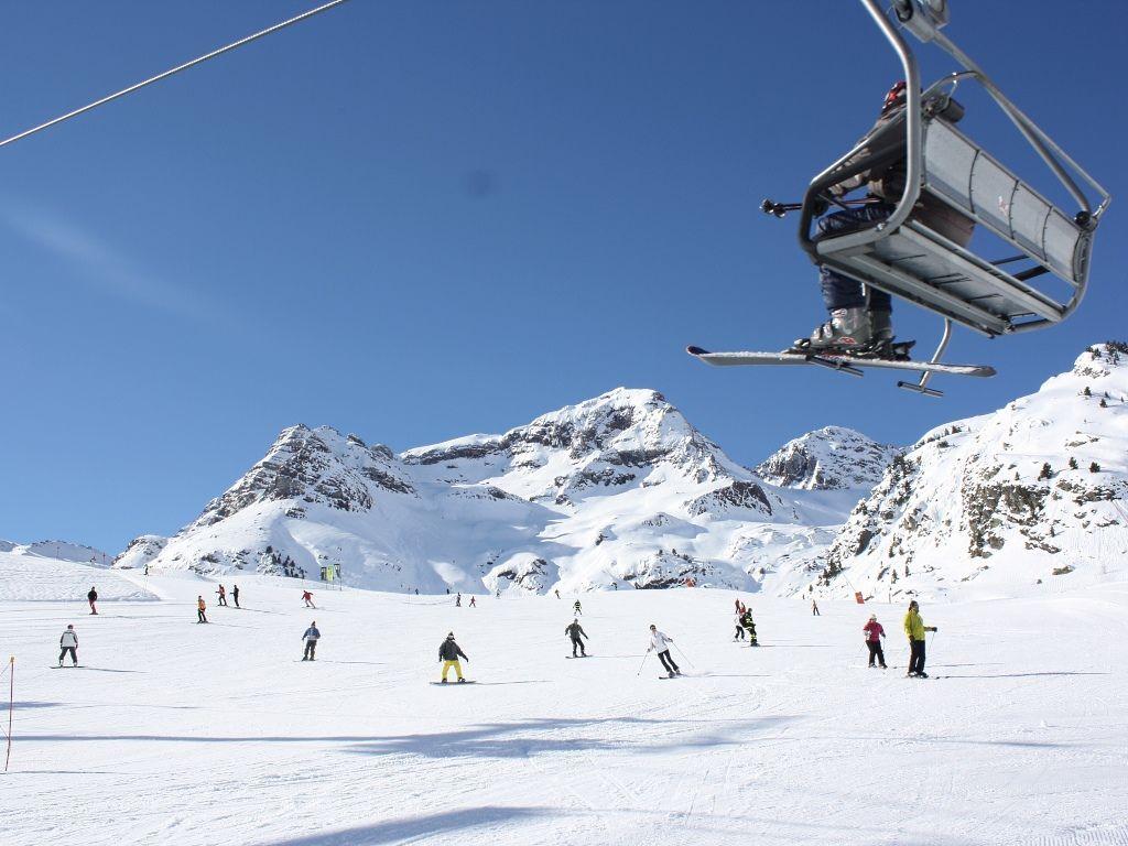 Estación De Esquí Formigal Con Viajart Com Landmarks Natural Landmarks Everest