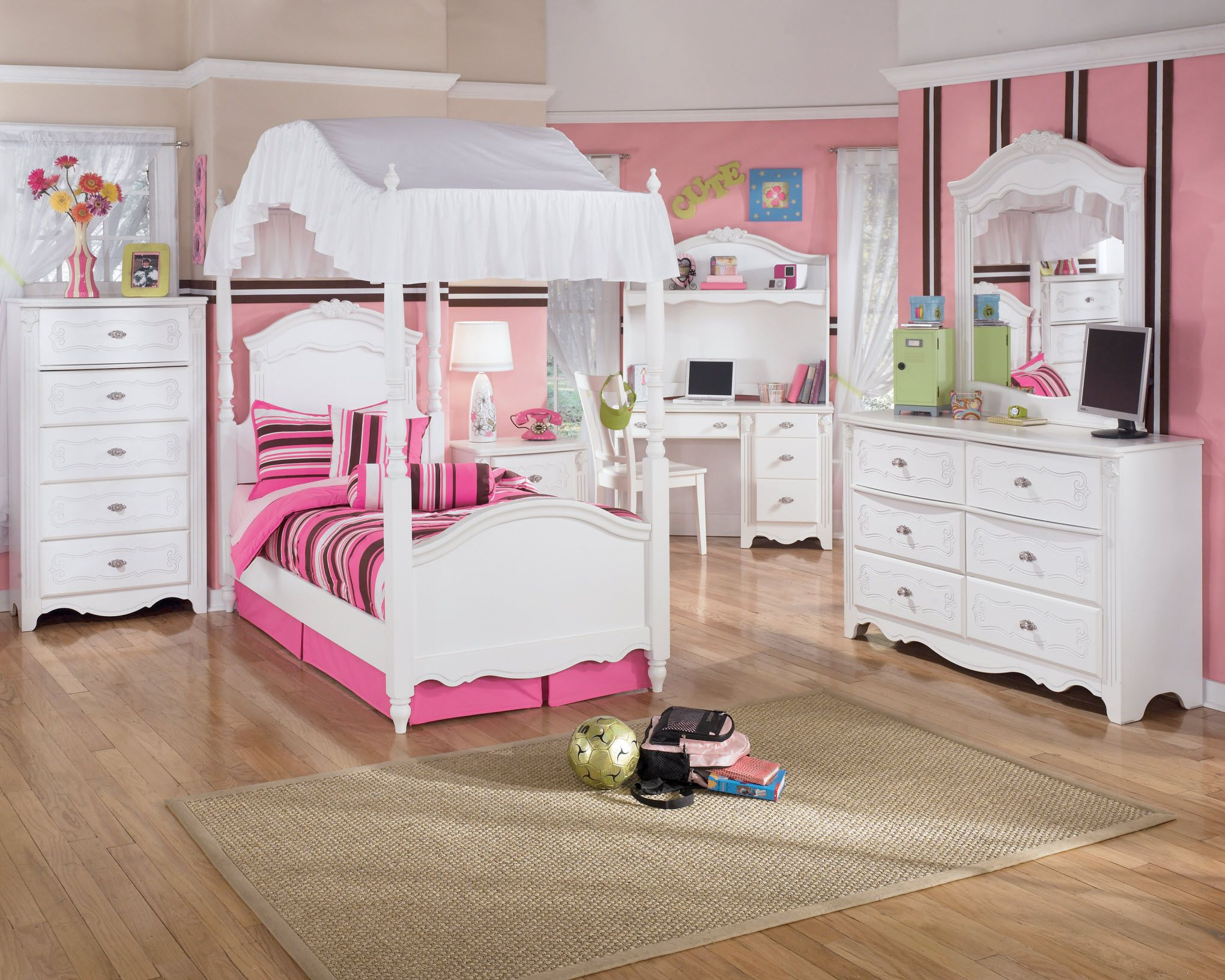 Kid Bedroom Stripe Pattern And White Bedroom Furniture Set Theme ...