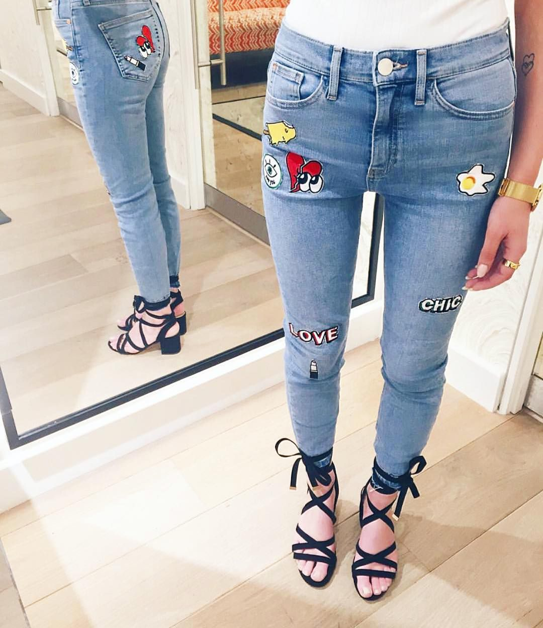 CLICK HERE http://www.youtube.com/channel/UCqEqHuax3qm6eGA6K06_MmQ?sub_confirmation=1 Patch perfect!Fashion's falling for denim this season & our staple Lori's just got a whole lot sassier! Show us how you're styling your #RIdenim this season with #ImWearingRI Jeans: 685773 | 40 Shoes: 682062 | 40 #RIdenim #RIStyleStudio #denim #patch #badges #kitsch #fashion #style #ss16 by riverisland