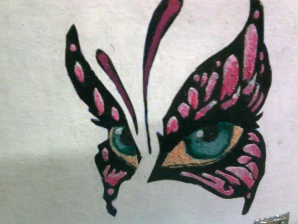 Arte feita com tinta de tecido.