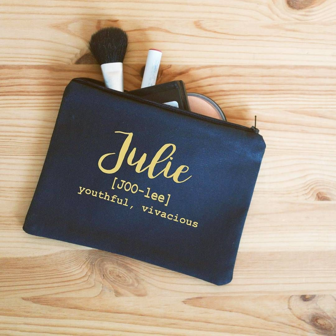 Love this adorable personalized makeup bag by