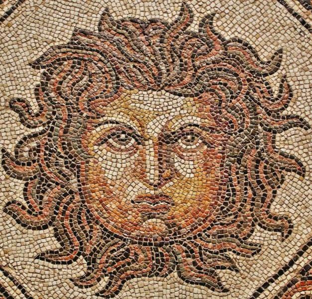 medusa mosaico romano procedente de palencia movidas
