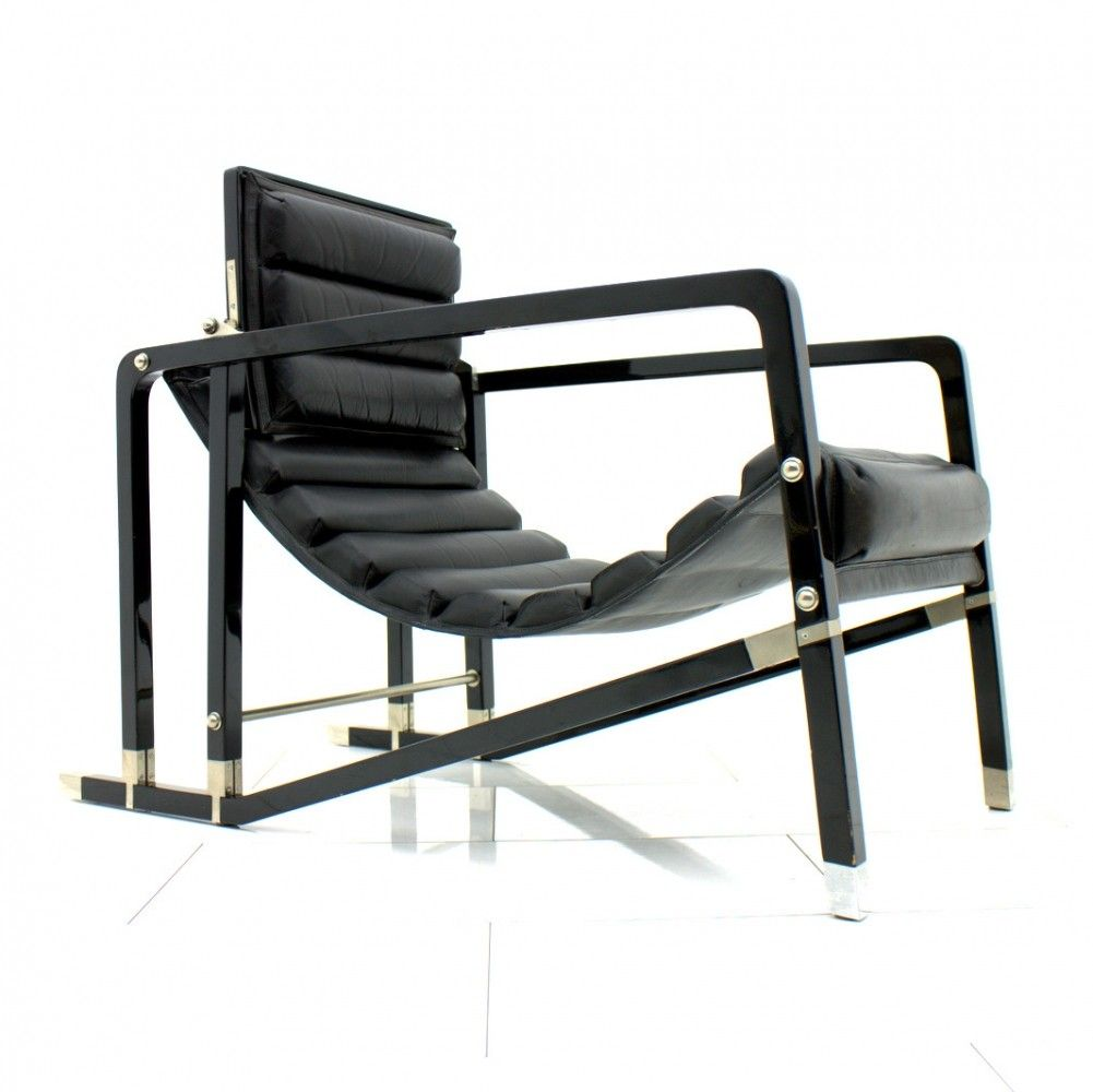 Transat lounge chair from the twenties by Eileen Gray for Ecart International