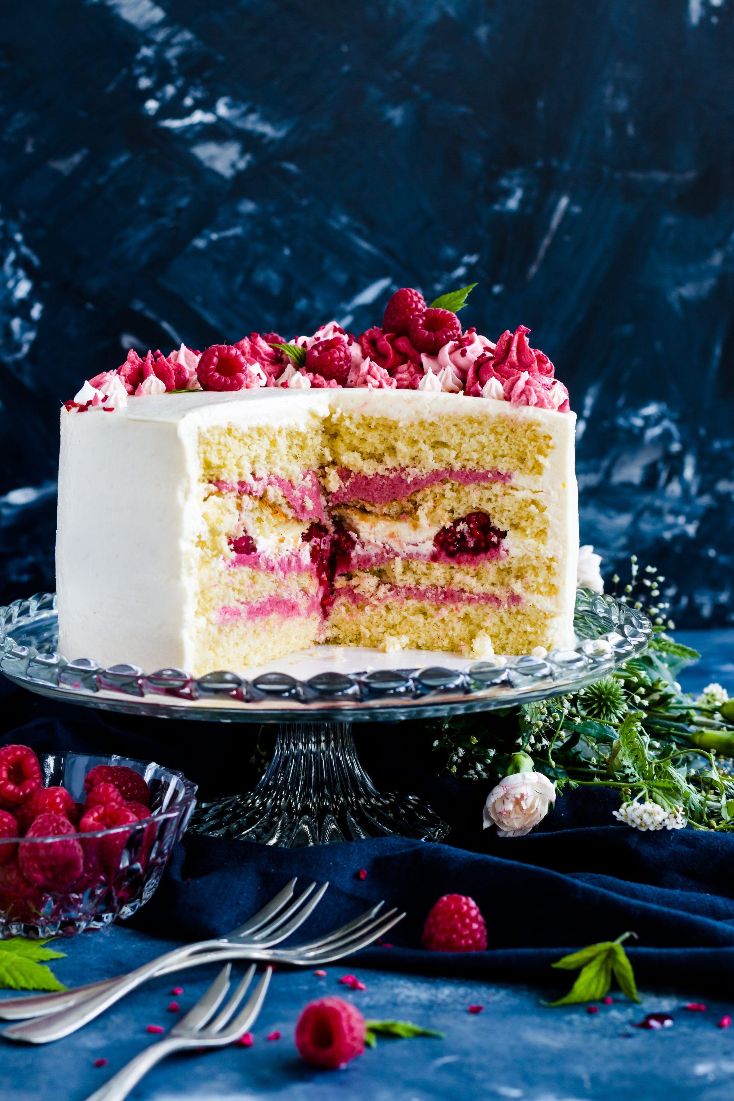 Photo of Recipe for raspberry cake with sponge cake bases Madame dessert