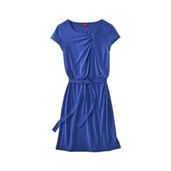 This looks like the perfect summer camp dress -- cute and comfy!