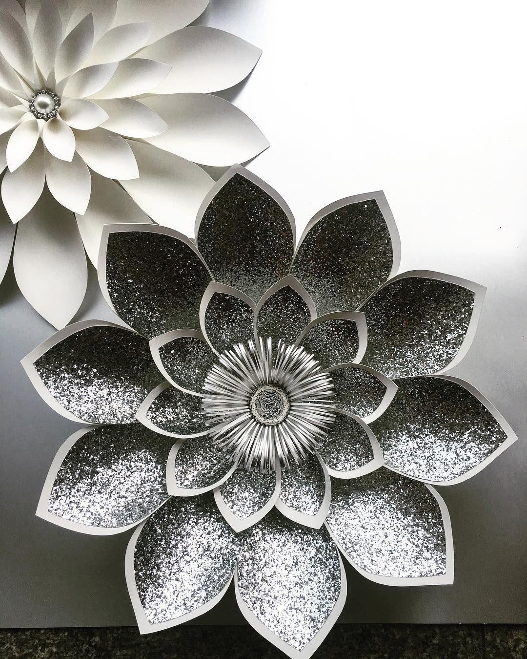 #largepaperflowers