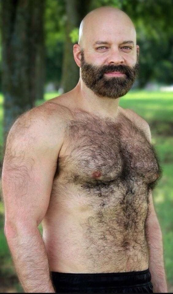 pingl par michel b sur chauve barbu pinterest homme poilu barbu et hommes. Black Bedroom Furniture Sets. Home Design Ideas