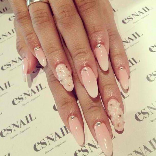 ES LA Nails check out ...