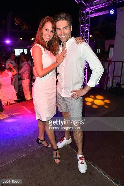 Christian Polanc Und Seine Tanzpartnerin Serfan Fashionshow Dance Salsa Partner Mirja Du Mont Salsa