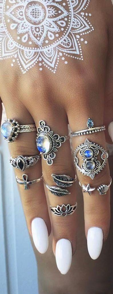 Uñas y anillos