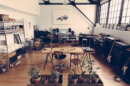 infamous musician 20 home recording studio setup ideas to inspire you recording pinterest. Black Bedroom Furniture Sets. Home Design Ideas