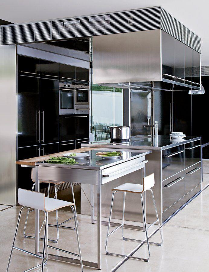 ces cuisines de pro vont vous faire r ver inox mari es et cuisine en inox. Black Bedroom Furniture Sets. Home Design Ideas