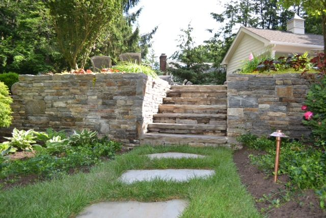 For This Residence In Short Hills Nj Braen Supply Inc Provided The Ritter Granite Thick And Thin Dry Laid Stone Wall Outdoor Decor Thick Thin Stepping Stones