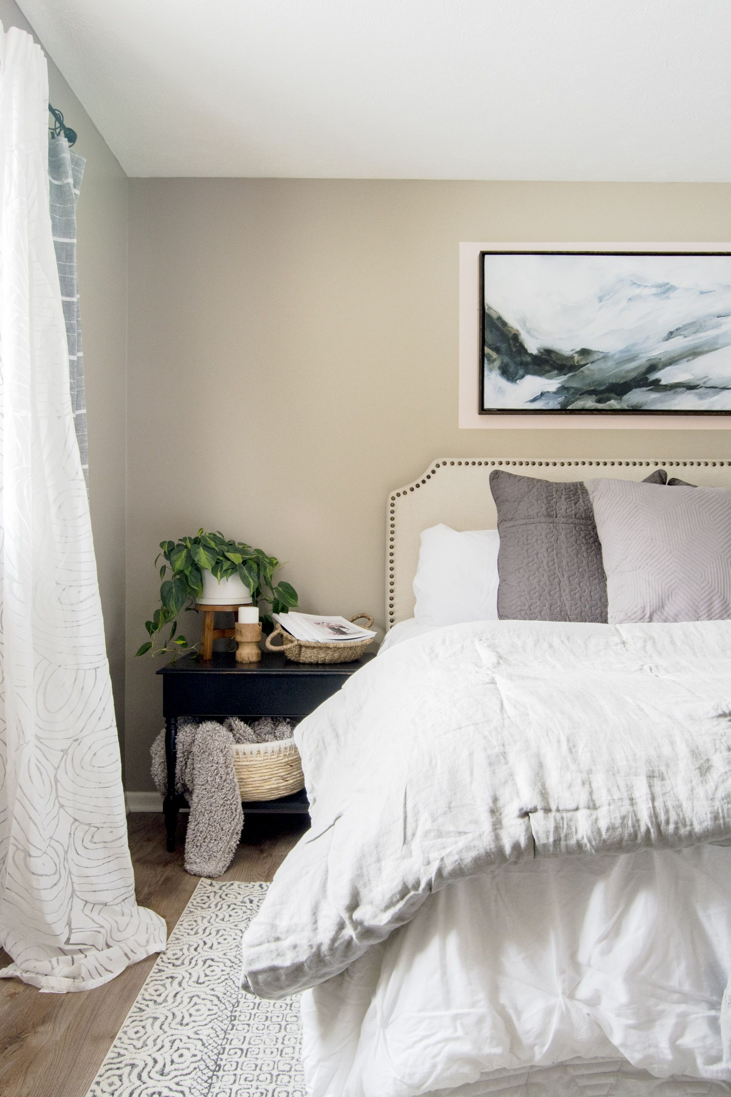 How to Create a Soothing Guest Bedroom with a Soft Color