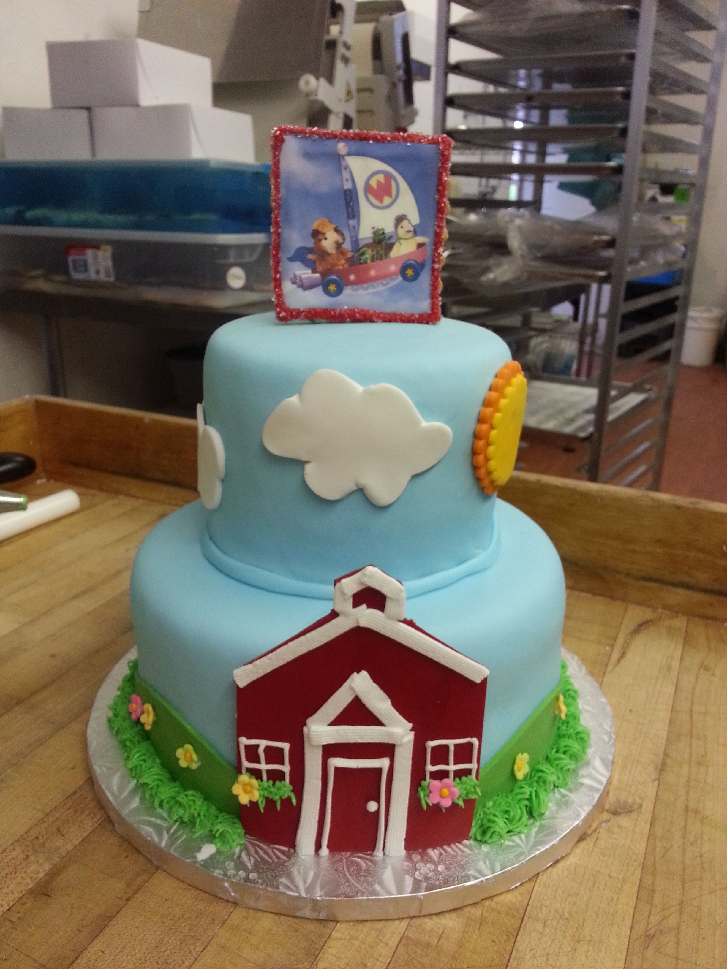 Have the countryside on a cake with this charming fondant barn