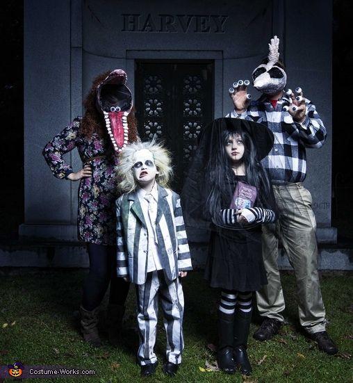 Beetlejuice Family Halloween Costume Contest At Costume Works Com Family Halloween Costumes Family Costumes Family Halloween
