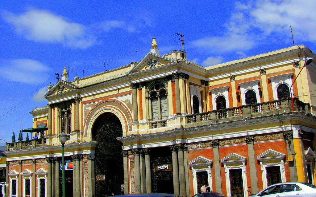 Pasaje Enríquez en la ciudad de Quetzaltenango, Xela, Guatemala