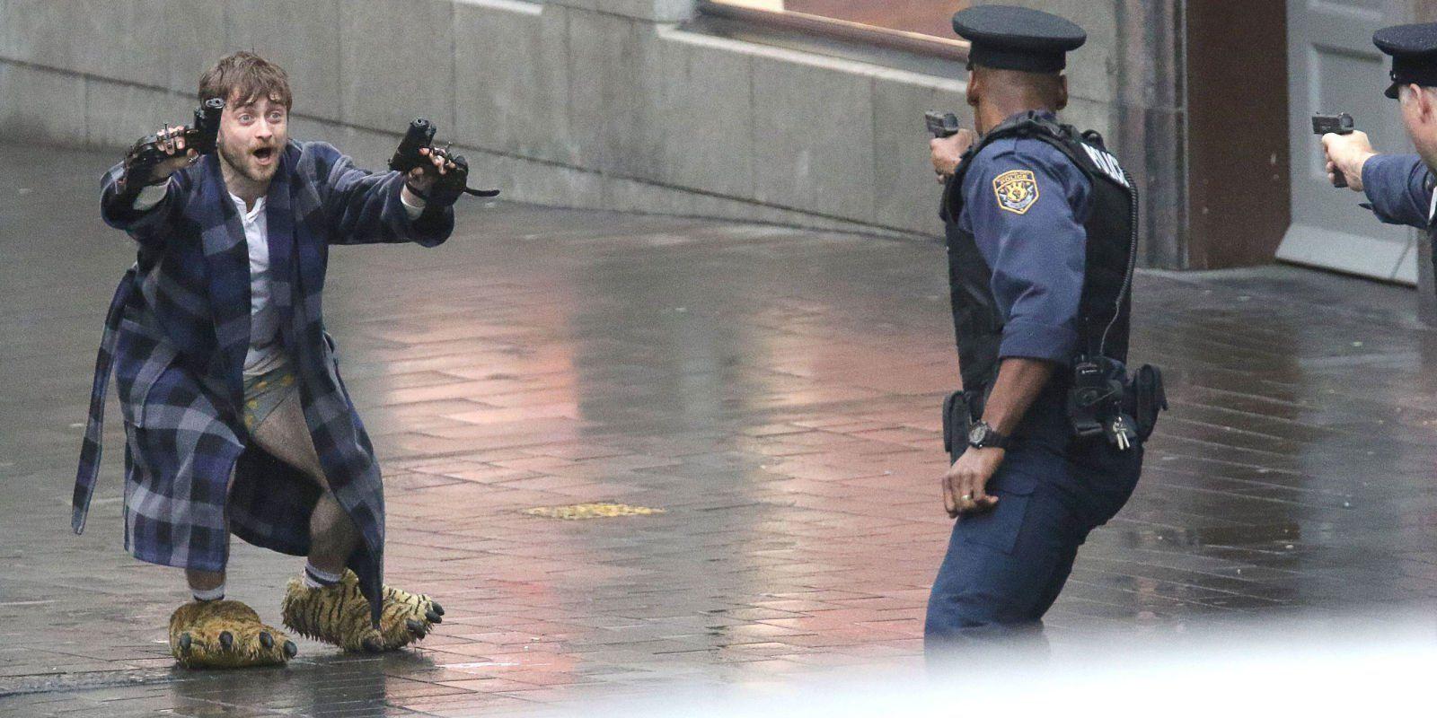 Guns Akimbo (TBA) Photo   Daniel radcliffe, Guns akimbo, Movie photo